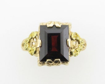 Yellow Gold Garnet Filigree Ring; Garnet Ring; January Birthstone; Birthstone Ring; Vintage Garnet Ring; Vintage Ring; Vintage Filigree Ring