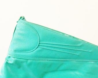 Mint Green Retro Vintage Clutch Purse / Gorgeous Pastel Candy Mint Purse / Faux Leather Minty Green Purse / Vegan Leather Bag