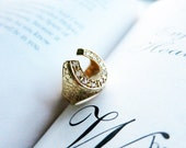 Vintage Horseshoe 8K Gold Ring with Diamante Real Rough Cut Diamonds in US Ring Size 6 3/4 from the Philippines