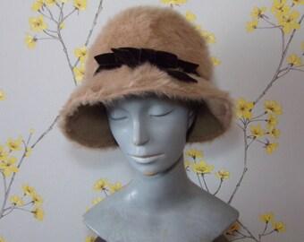 Vintage 1960s Cloche Tan Angora Ladies Cloche Mitzi Lorenz Neutral Coloured Hat with Brown Velvet Bow