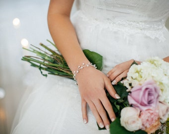 Crystal Bridal Bracelet, Crystal Wedding bracelet, Swarovski Crystal, Silver, Wedding Jewelry, Bridal Jewelry, Handmade Bridal Bracelet