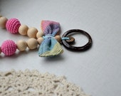 Teething necklace Baby wrap necklace Coconut ring Bow-butterfly Pink brown Colorful Wrap Scrap Breastfeeding necklace Babywearing necklace
