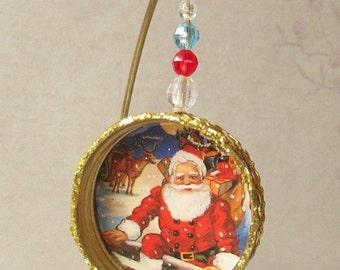 Santa Ornament / Metal Lid / Recycled