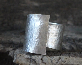 Silver wide band ring, hammered ring, hammered silver band, Silver ring, large ring, minimalist ring, Statement ring, custom made ring