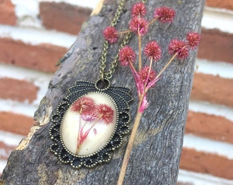 Resin jewelry, flower Cameo, vintage necklace, Dried flower, boho necklace, nature inspired pendant, handmade jewelry, real flower necklace