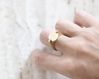 Mae  ring