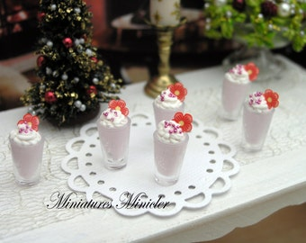 Miniature Dollhouse Strawberry and Creme Milk Shake 1:12