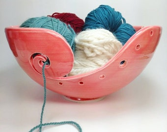 MADE TO ORDER, Pink Knitting Bowl, Ceramic Yarn Bowl, Crochet Bowl, Yarn Holder, Gifts for Knitters, Pottery Yarn Bowl, Clay Yarn Organizer