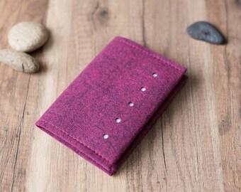 Passport cover - dotted felt