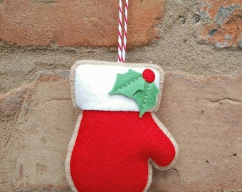 Felt Christmas mitten ornament