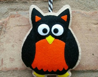 Felt halloween owl ornament