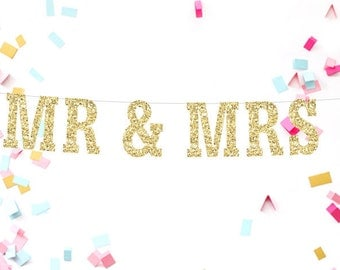 Mr & Mrs Wedding Banner, Gold Glitter Banner, Gold Wedding Banner, Engagement Banner, Wedding, Shower,  Photo Prop, Anniversary Banner