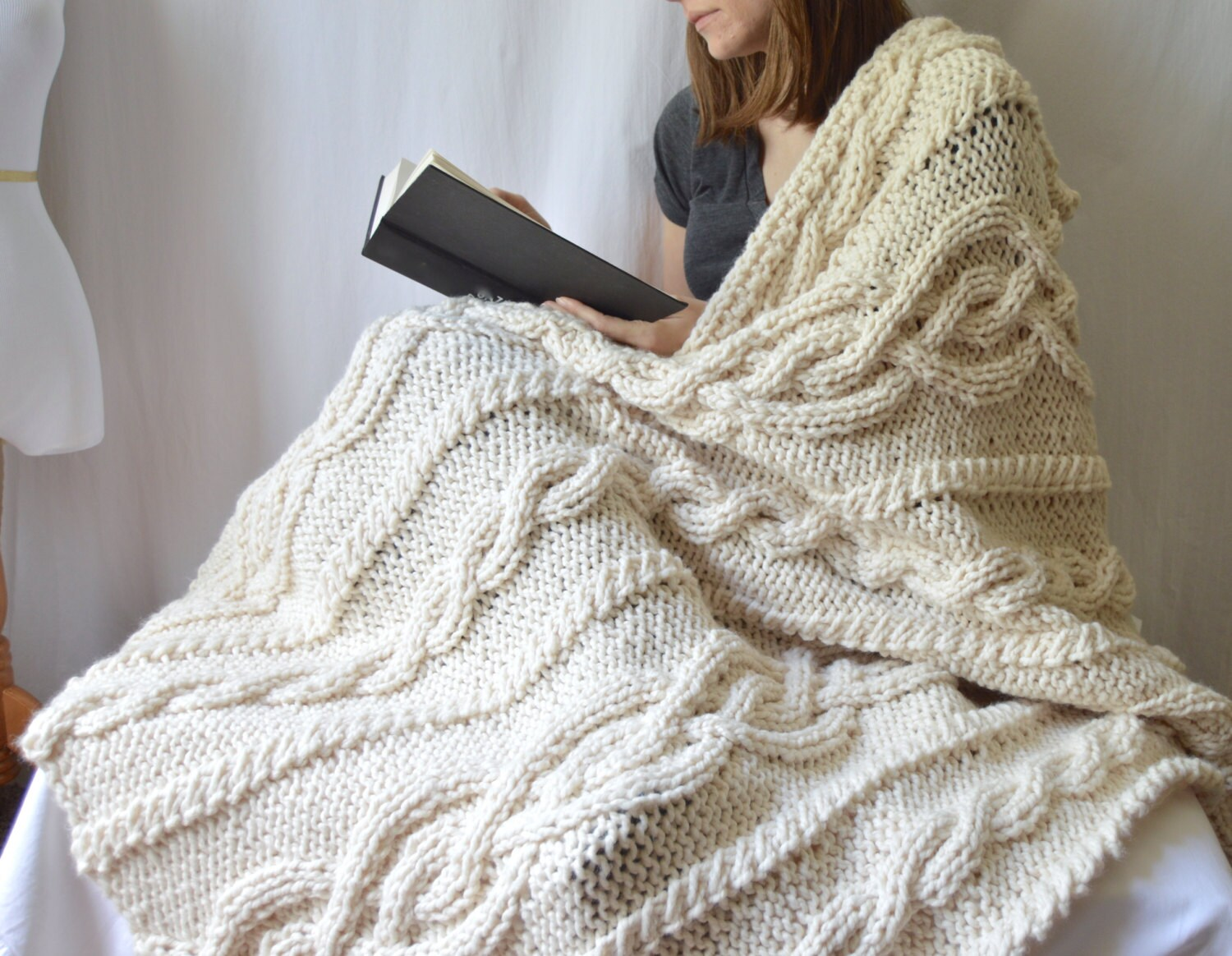 Chunky wool blend knitted blanket throw blanket cable knit zoom bankloansurffo Choice Image