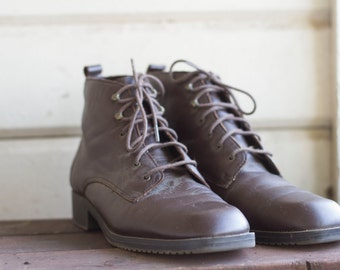 Vintage Cobbie Cuddlers Brown Leather Ankle Boots Women's 9