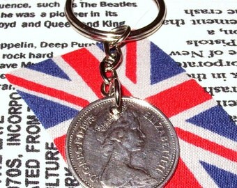 1975 British Old Large Five Pence Coin Keyring Key Chain Fob Queen Elizabeth II