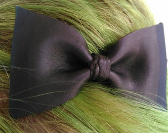Large Leather Hair Bow
