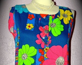 1960s MOD Bright Floral Tunic or minidress Sz Med/Lg