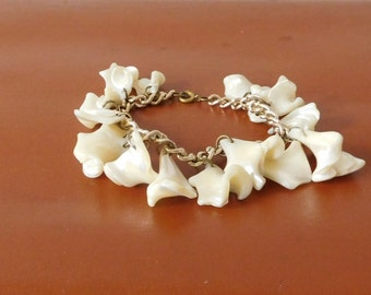 Shell Bracelet Shell Charm Bracelet Silver Chain Beach Jewelry Vintage Bracelet Dangle Bracelet