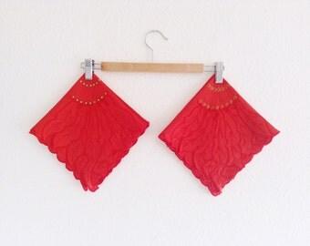 9 Vintage Linen Napkins, Poinsettia Design