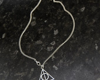 Harry Potter, Deathly Hallows Necklace