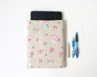 Floral IPad cover, 10 inch tablet cover, padded Ipad case, fabric Ipad cover, Samsung Galaxy tab 10, Ipad gift, handmade in the UK