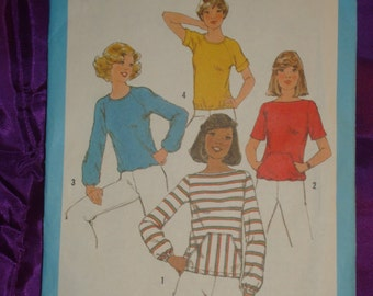 1970s 70s Vintage BoHo Pullover Short or Long Sleeve Stretch Knit Tops in 4 Views UNCUT Simplicity Pattern 8343 Bust 32.5 Inches 83 Metric