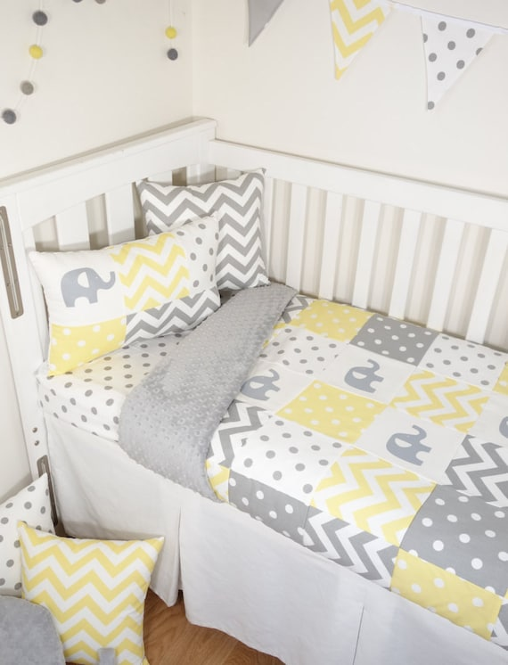 Patchwork nursery set - Yellow and grey elephants (Grey minky quilt backing)