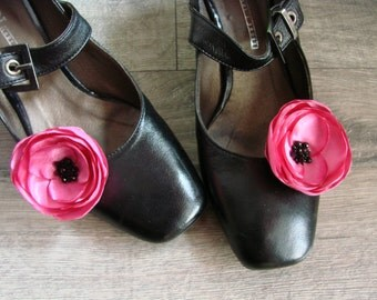 Pink shoe clips, Pink shoe accessorry, PInk flower shoe clips, Flower shoe clips, Shoe clips flower, Shoe clips pink poppy, Shoe flowers