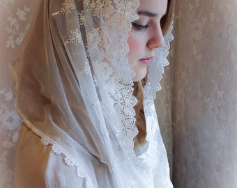 "Evintage: ""Our Lady of the Doves""  Lace Infinity Mantilla Chapel Veil White Embroidered"