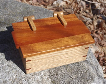 Red Oak Box with Mahogany Lid