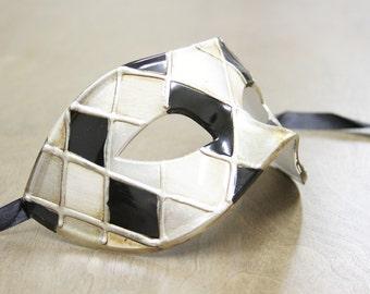 New Classic Checkered Venetian Masquerade Men's Mask/ Unisex/ Mardi Gras/ Prom/ Wedding/ Party PM014BKSL
