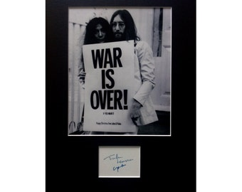JOHN LENNON Yoko Ono AUTOGRAPH photo display