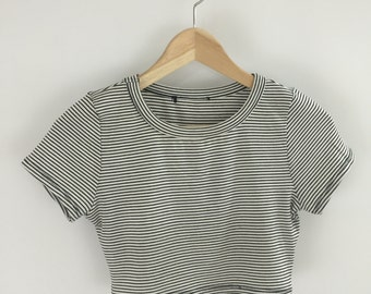 Stripped Short Sleeve Crop Top