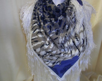 blue-beige triangel cloth - Jersey cloth - Cloth with Animalprint - Fringes cloth - Gift for her