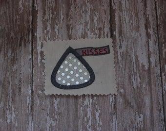 Chocolate Kiss Machine Embroidery Pattern - Stitched Kisses Embroidery Design -  Stitched Valentine Design -Hershey Kiss Design