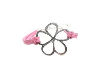 Flower Charm Bracelet, Flower Faux Suede Bracelet, Silver Flower Charm Bracelet, Flower Bracelets, Big Flower Bracelet, Floral Bracelet