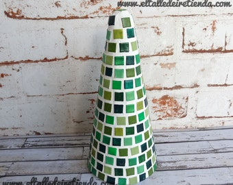Tree of Christmas decorative with tile