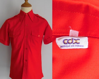 Mens red shirt, short sleeve, french vintage retro, daggar collar, fitted cut, small