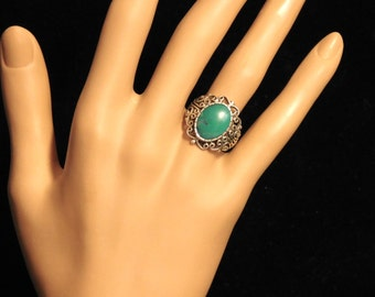 Green turquoise and sterling filigree ring--size 8 1/4