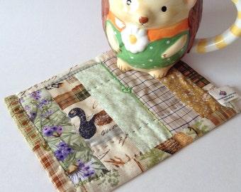 ReBELLE - Mug Rug Cabin Duck Snack Mat Quilted Place Mat Quilt COASTER Table mat dresser mat