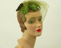 1950s fascinator mini hat green leaves tulle veil with bow wedding hat bridesmaid hat