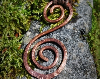 Beinn na Caillich - cold hammered double spirals, pure copper necklace