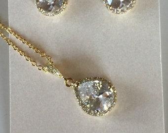 White Crystal Wedding Earrings Bridal Earrings Teardrop Bride Stud Earrings Sterling Silver Bridesmaid Gift Wedding Jewelry
