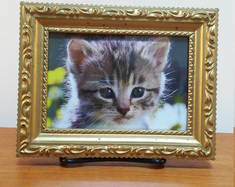 Vintage Gold Plastic Picture Frame / 3 x 5ish / Super Kitschy Great for Repainting