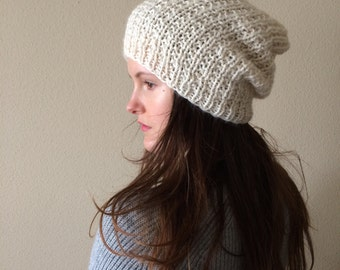 Slouchy Hat Knit Cream Beanie / Chunky Winter Beanie / Cream Ivory Off-White / Alpaca Yarn