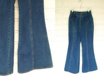 90s does 70s vintage Bellbottom blue jeans women's size 6 hip hugger grunge raver club kid low rise