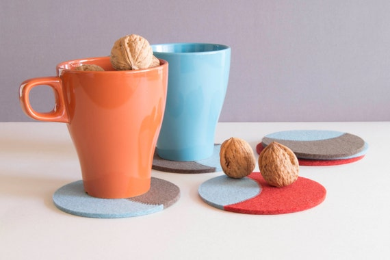 Set of round felt coasters / round coasters / orange, taupe, light blue / stylish coasters / wool felt / handmade / made in Italy