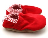 red baby shoes, corduroy booties, red corduroy shoes, soft sole shoes, christmas baby shoes, red moccasins, toddler shoes, cloth baby shoes