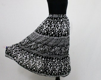 1980s India Cotton Black and White Tiered Skirt