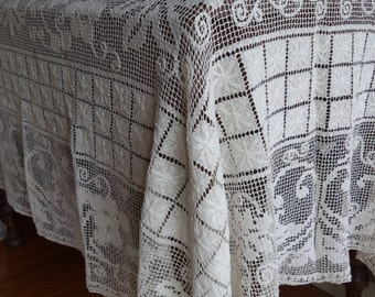 Vintage Tablecloth Home & Living Kitchen Dining Table Linens Wedding Crochet Lace Entertaining Home Decor White Antique